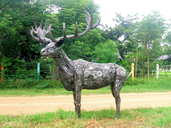 Deer (Buck) sculpture made from recycled metal by Tom Samui